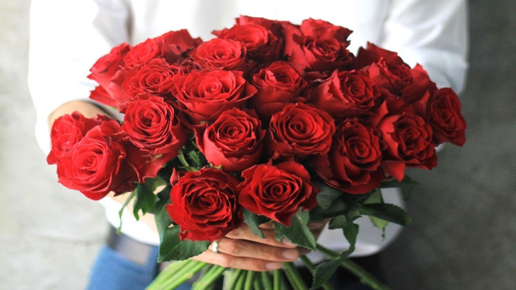 The Meaning of Red Roses on Valentine's Day