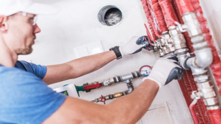 Difference Between Plumbers and Plumbing Contractors and Specialty Plumbers