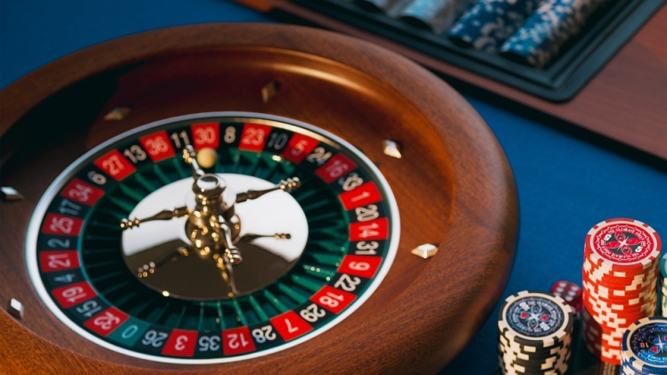 Landing a job vs winning at Casino Slots – Odds