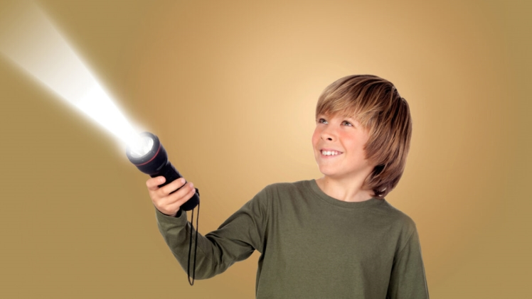 Why should You buy Colourful Falsh-lights for your kids?