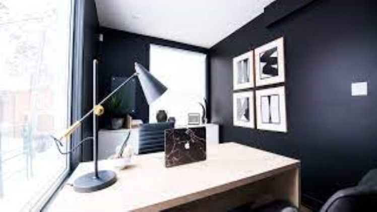 EIGHT THINGS TO KEEP IN MIND WHILE BUYING A STUDY DESK ON A LIMITED BUDGET